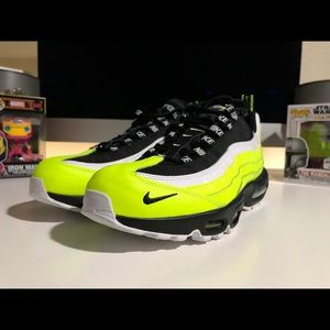 NIKE AIR MAX 95 Volt Glow Black men's sz 10